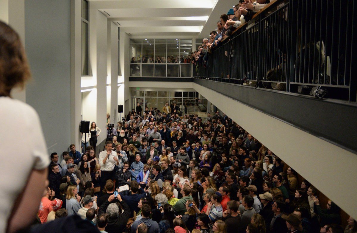 Tonight, presidential candidate @BetoORourke stopped by our Durham campus. O'Rourke is one of the first 2020 candidates to visit campus. #nhpolitics #nhprimary