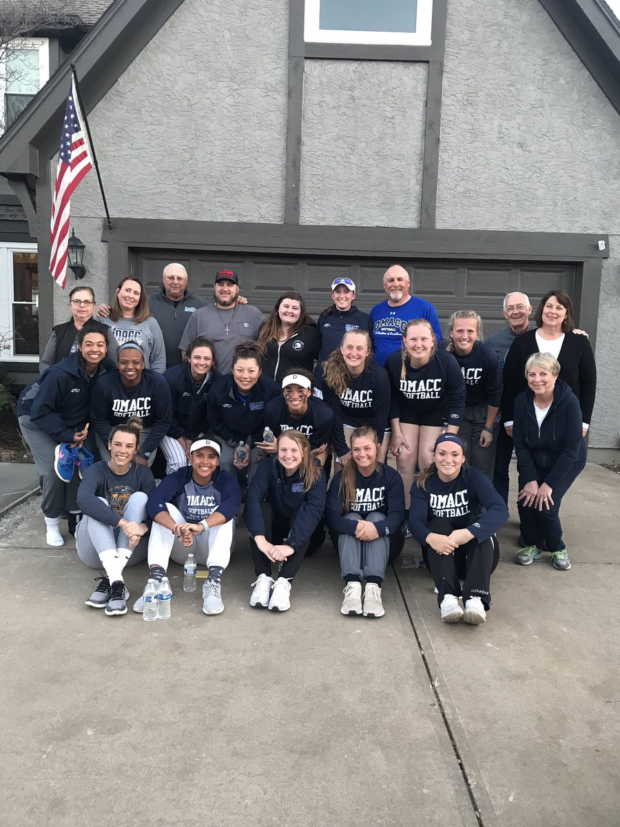 DMACC Softball ⚾�'s photo on game day