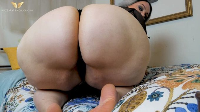Just made a sale! You Bore Me: Worship My Ass https://t.co/ubE2IGJ8BB #MVSales #ManyVids https://t.c