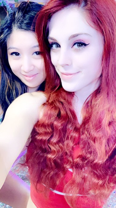 Soooo mfc is down so me and @CosmicNeko are gonna make some vids then try again! https://t.co/8ddBU3