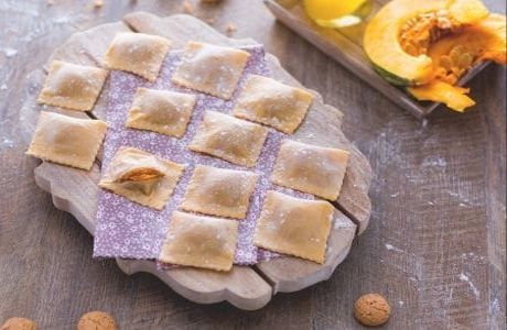 Pumpkin #Ravioli #RECIPE: http://bit.ly/2TeUGIB   #RecipeOfTheDay #National_Food_Days #nutrition #nutritionfacts #healthyeats #healthyfood #healthy #goodfoodpic.twitter.com/wOqmCDqbxx