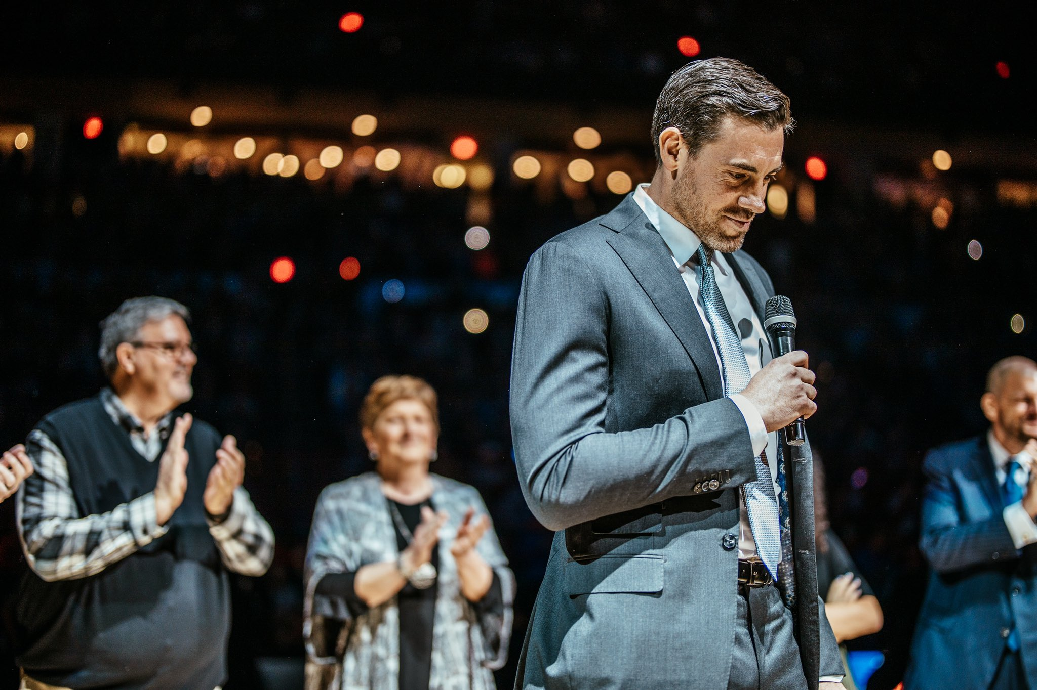 An all-time moment for Thunder Basketball.   �� Watch full #4MrThunder ceremony at https://t.co/MnbW3cscbr https://t.co/ikXzxtO0fw