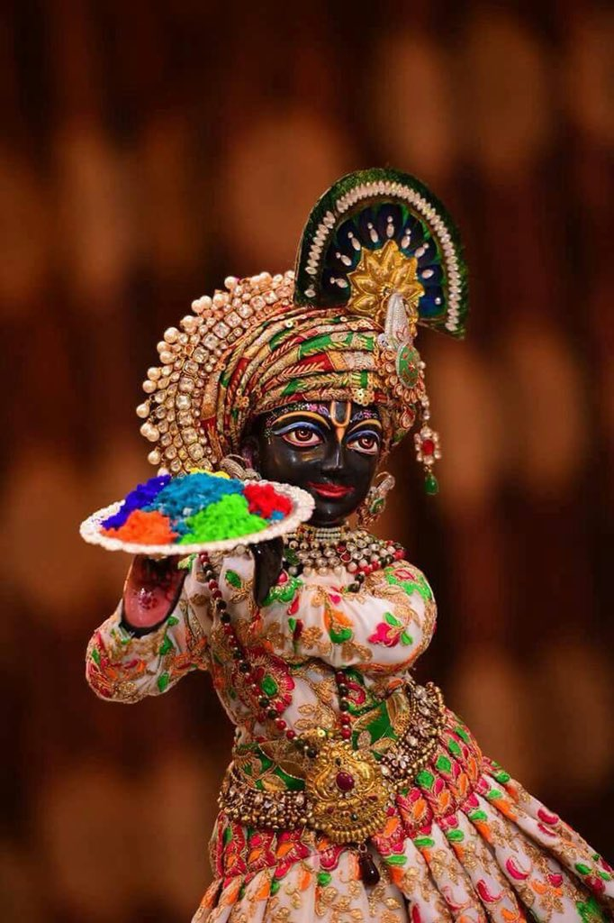 May the grace of Lord Krisnaa, add colour to all aspects of life...Happy Holi! #HappyHoli