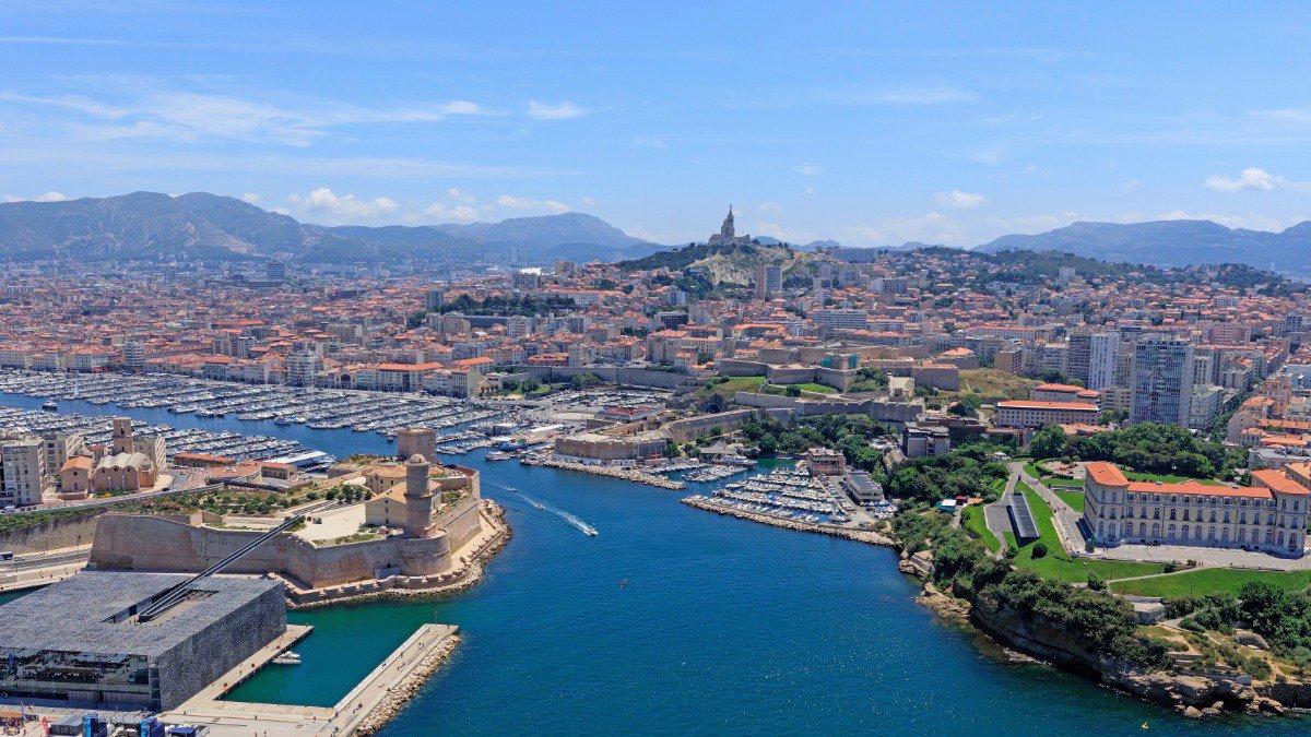 Ville de Marseille's photo on Rouges