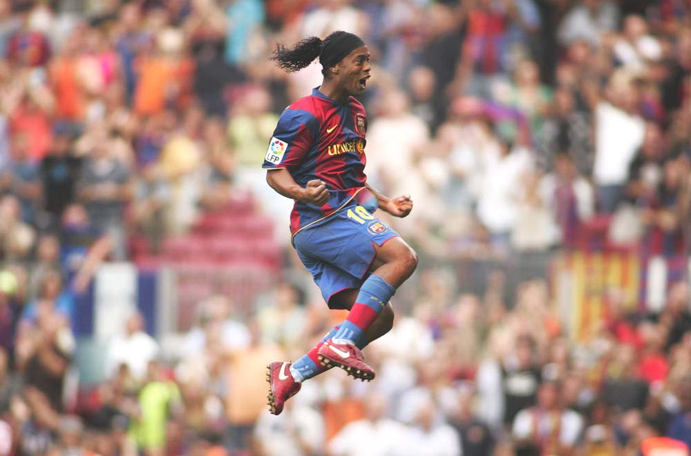 2005/06 - he was at his peak.  • FIFA Confederations Cup • FIFA World Player OTY • FIFPro World Player OTY • Champions League • Ballon d&#39;Or • Onze d&#39;Or • La Liga • Standing ovation from the Bernabéu  Happy birthday, Ronaldinho. <br>http://pic.twitter.com/Nb5OrvAe8G