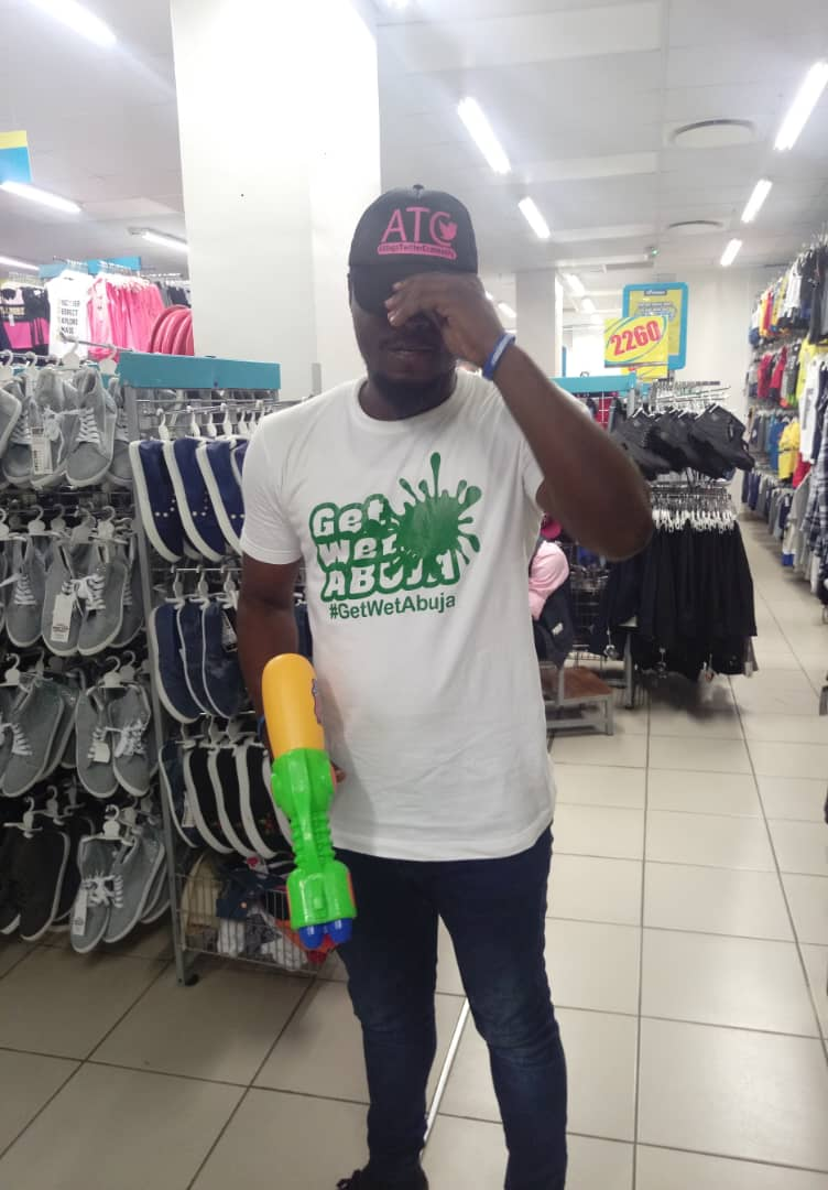 Guys!!!! I&#39;m coming thra with squirt guns blazing.   I&#39;m BATTLE ready, to take out any #GetWetAbuja challengers!!!!    ARE YOU ????  Get ur tickets at https:// bit.ly/2C2hQw2  &nbsp;    U don&#39;t wanna miss the fun!!!  #AbujaTwitterCommunity #March23rd<br>http://pic.twitter.com/igvx4EhRUm