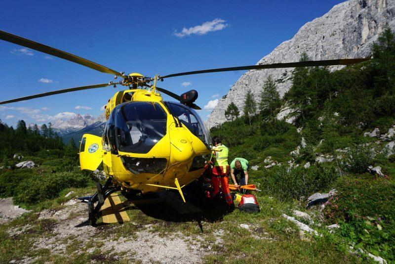 Rifugio Mulaz, soccorso scialpinista con canefer...