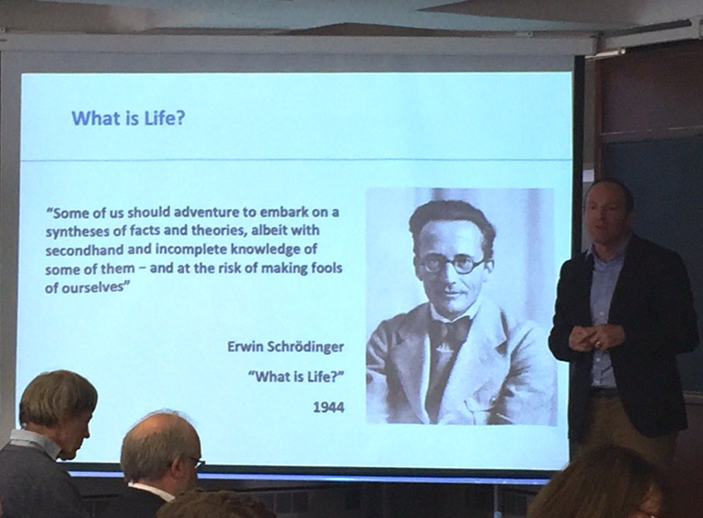 test Twitter Media - Prof @petertgallagher kicks off with an apt quote from Schrödinger, 'Some of us should adventure to embark on a syntheses of facts and theories....and the risk of making fools of ourselves' #DIASdiscovers https://t.co/6PBwORbtq8