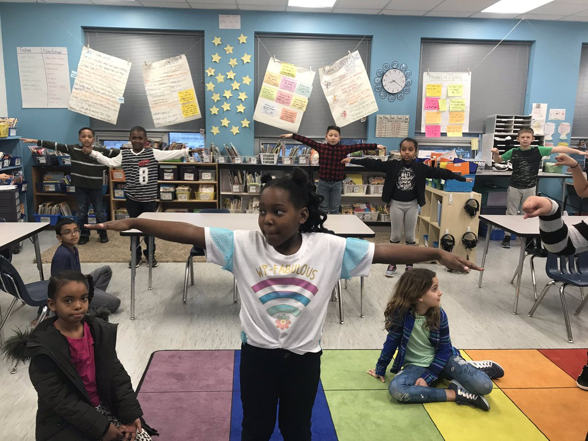Line vocabulary Simon says! Can you spot the lines? <a target='_blank' href='http://twitter.com/abing'>@abing</a> <a target='_blank' href='https://t.co/bdVzc7hCUl'>https://t.co/bdVzc7hCUl</a>