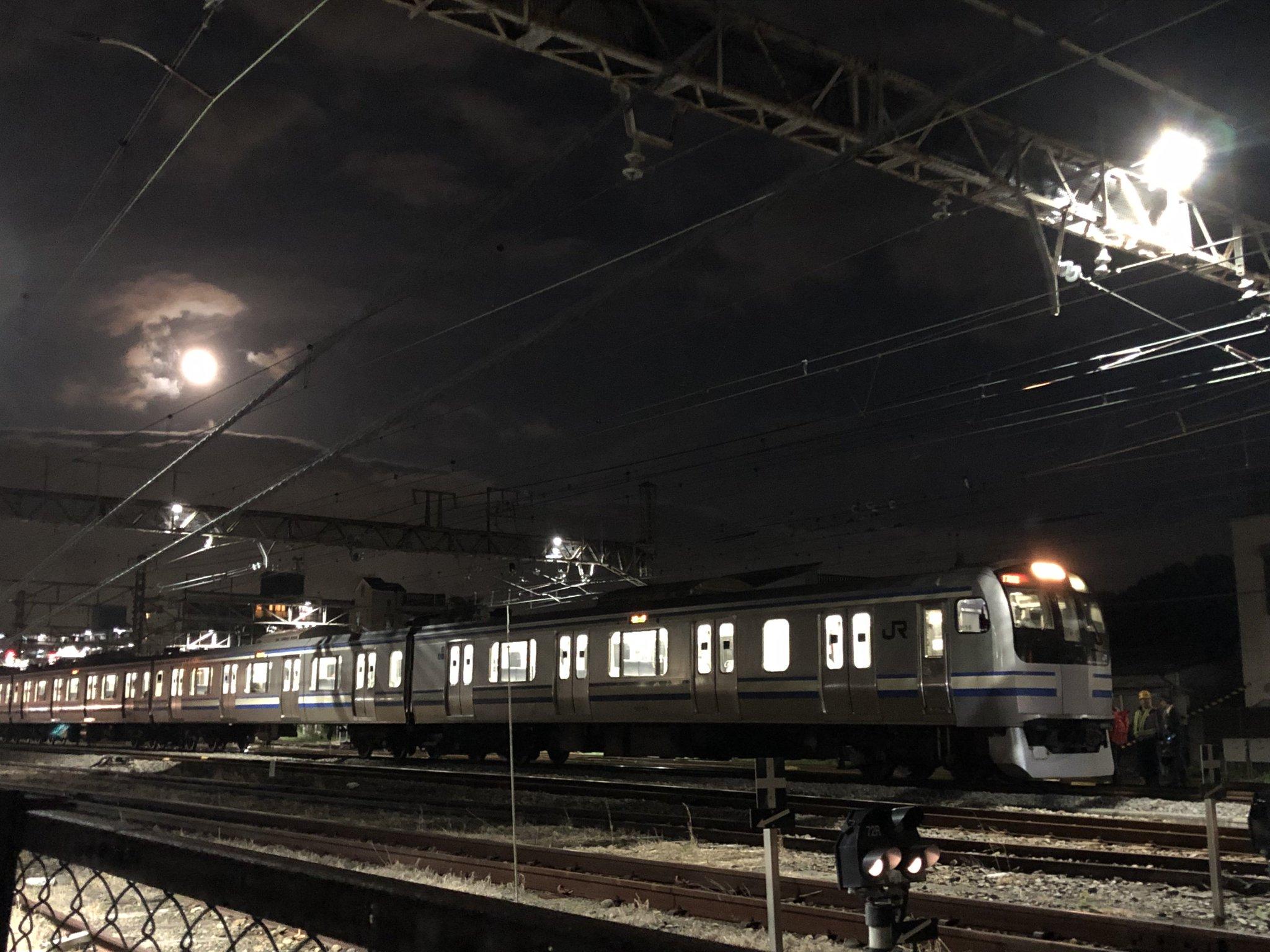 画像,横須賀線人身事故当該 Y-16山の根踏み切り https://t.co/IuvLfCqRIu。
