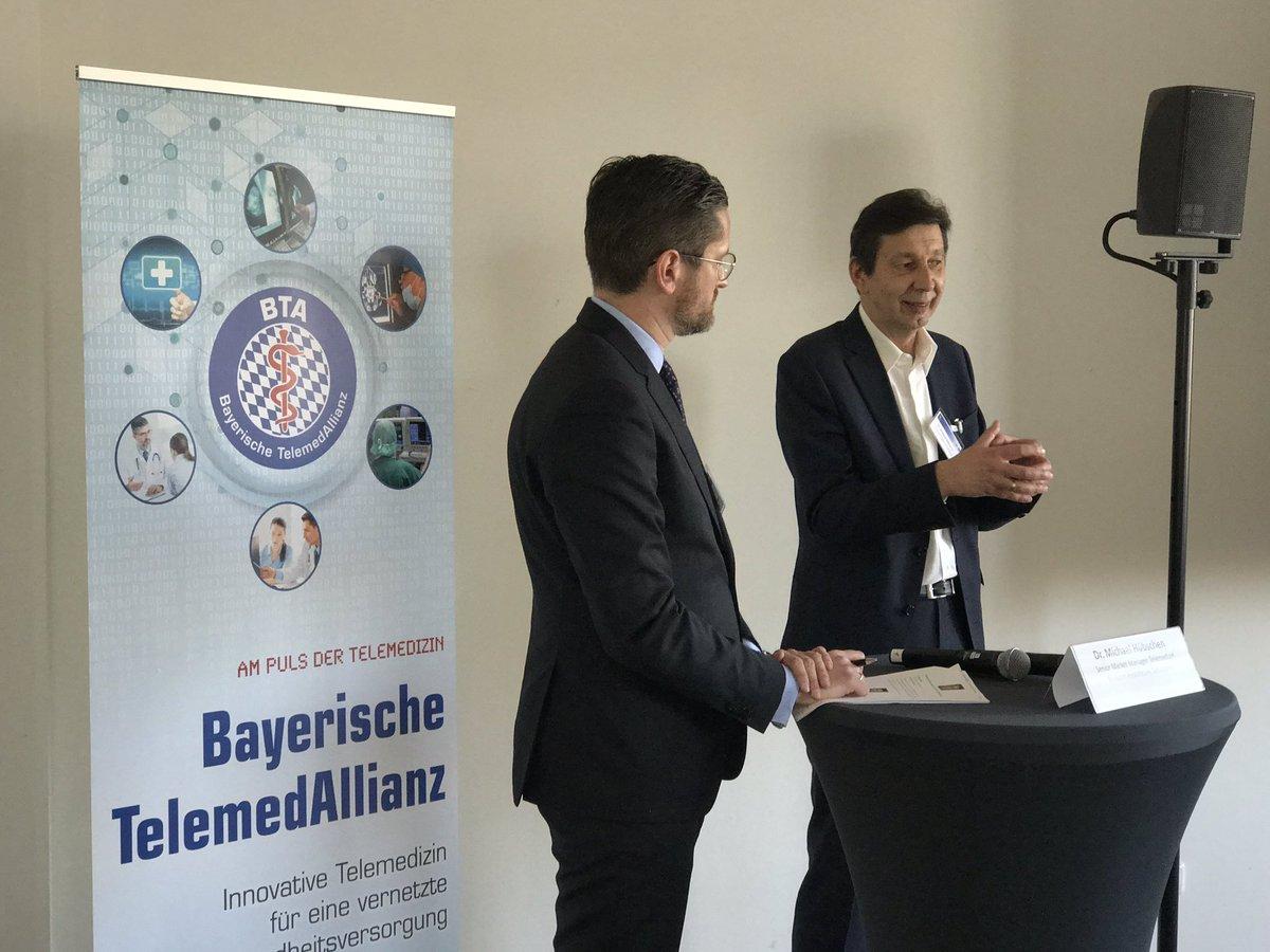 #7BTT Workshop #EPA mit intensiver Diskussion -> erkennbarer Nutzen im magischen Dreieck #Leistungserbringer #Kostenträger #Patient als #Erfolgsfaktor, zentrale Frage nach dem #RZ für die #Datenhaltung zB in der #Cloud Kontext #DSGVO. @Telekom_hilft @IBMHealth @Cisco #KV #Bayern