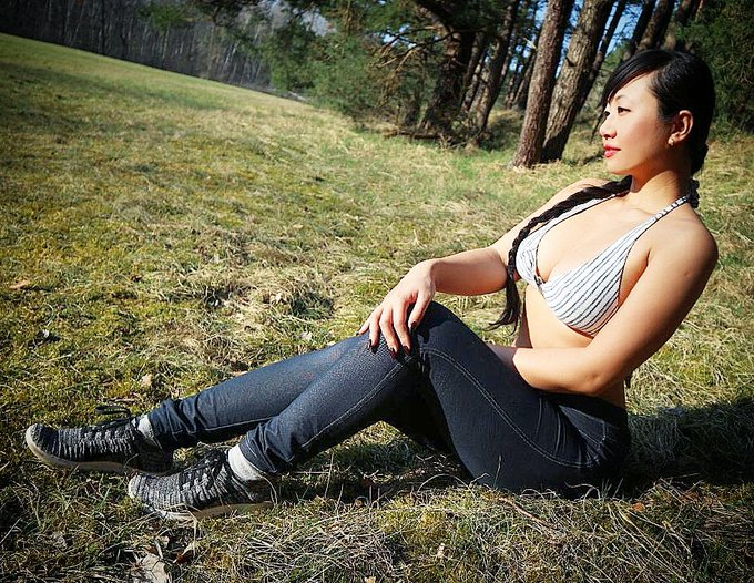 Wieder mehr Sonne bitte ☀️🦄☺️🙏 #lovesunshine #lovenature #asianwoman #naturalbeauty #sonnenanbeter #bikinifigur