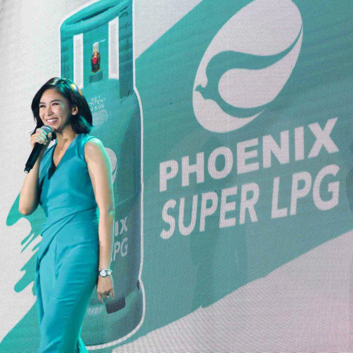 Totoo ang balita! @phoenixsuperlpg has finally revealed Popstar Royalty Sarah Geronimo as its very first brand ambassador! Abangan ang hinanda naming sorpresa this Sunday! #SarapPalaMagluto #SarahGForPhoenixSuperLPG #PhoenixSuperLPG