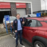 @autorijschoolde - Kevin Lorwa ... wie ? Kevin Lorwa uit Barendrecht . Een leuke knul die elke twee weken fanatiek in de Kuip zit ... maar ja nu heeft hij zijn rijbewijs dus of hij nog tijd heeft voor Feyenoord ? En zijn moeder Danielle was hem jaren geleden voor gegaan in mijn auto .. https://t.co/nd52K0yRjk