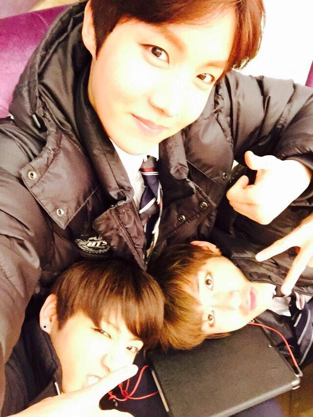 they really are hoseok&#39;s babies <br>http://pic.twitter.com/XYe45GUBDC