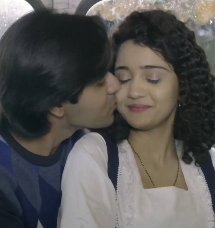 I AM CRYINGGGG THEY BOTH ARE SOO SOFT WITH EO I CAN&#39;T  #YehUnDinonKiBaatHai <br>http://pic.twitter.com/iwGqiYCQfu