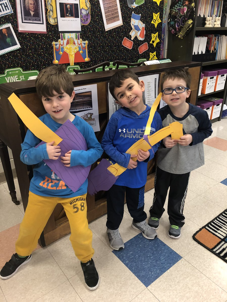 Great way to start your day when your Preschool students make instruments and can't wait to show the music teacher!! @OPSchoolsNJ @lauriedavisprek #MusicEducation <br>http://pic.twitter.com/ekSukYXcJ2