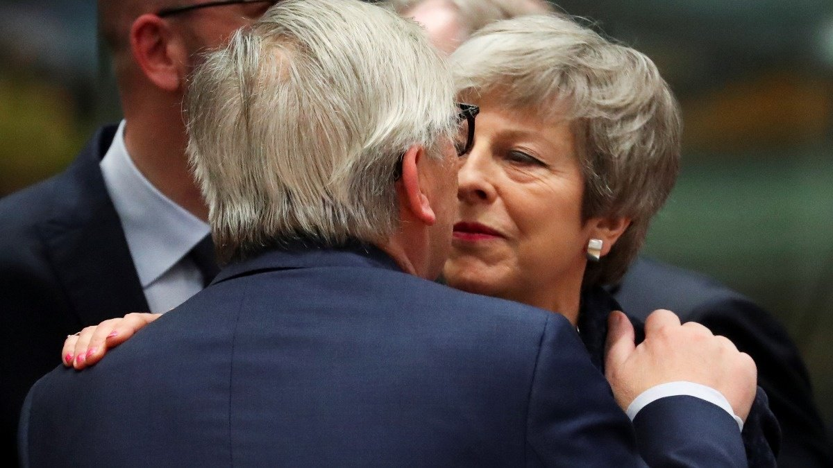 May asks Brussels for more time to Brexit https://reut.rs/2FqITTR