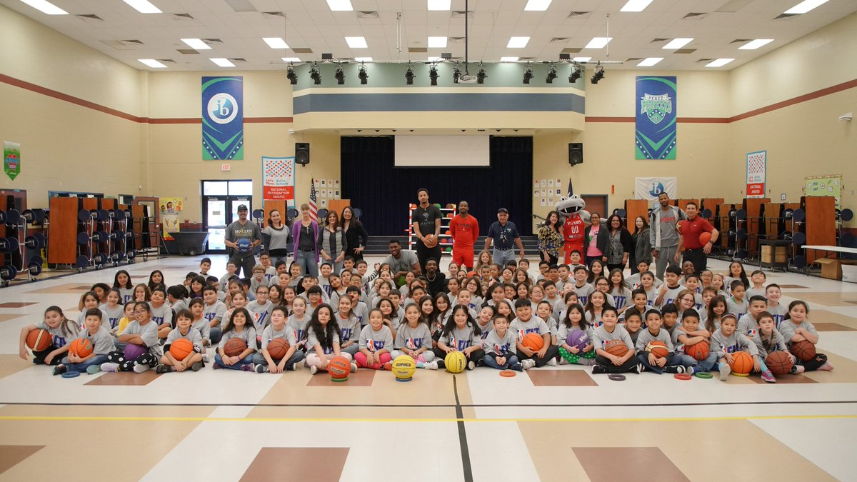 In celebration of #NBAFitWeek the #RGVVipers were at Perez Elementary taking over their 2nd and 3rd grade PE class. Fang's PE Takeover is a physical fitness program that the Vipers implement throughout the community during the season. #NBAGLeague #NBACares #NBAFit