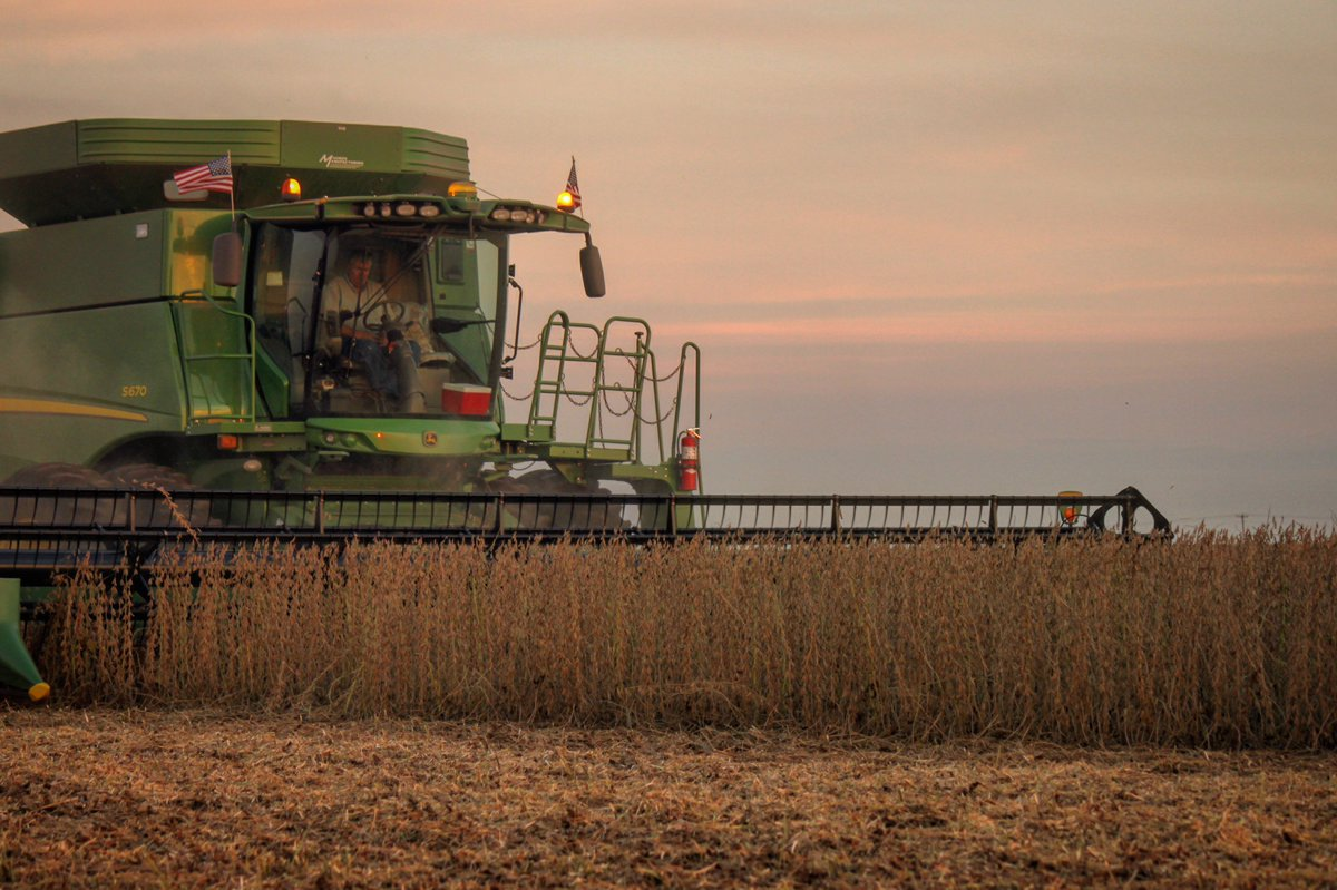 Congrats to @ToohillKevin for being drawn as the winner of the #DeWittAgProud photo contest on Monday! #NationalAgDay <br>http://pic.twitter.com/8r5jUZ87Ci