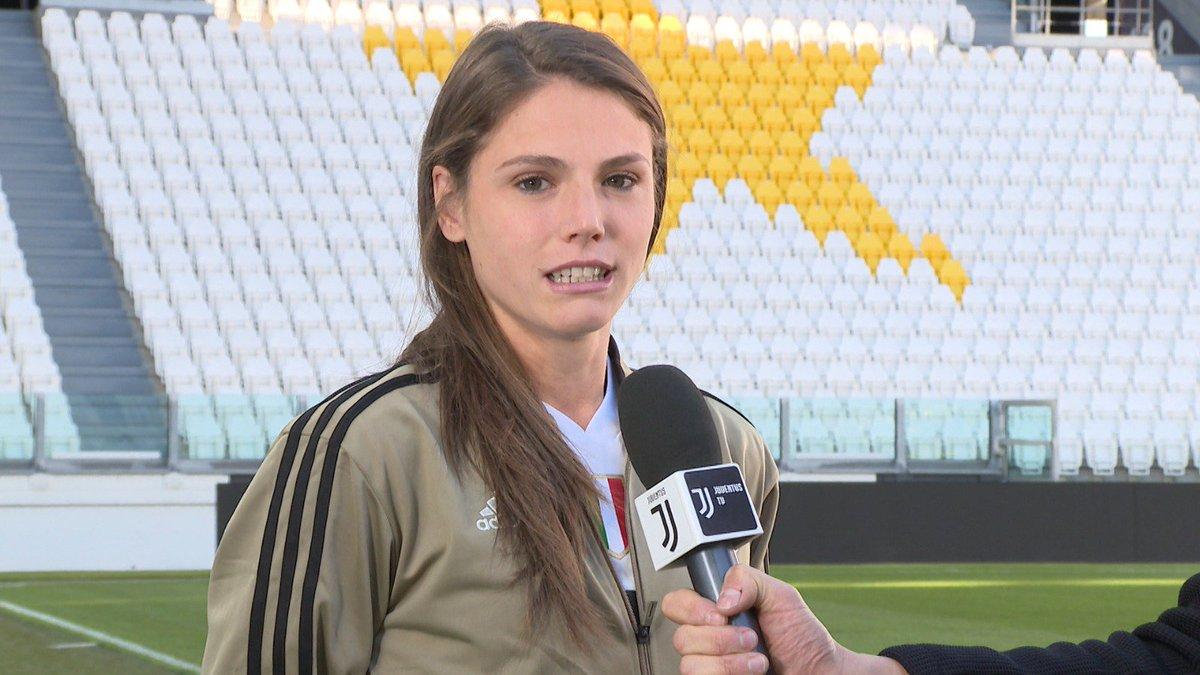 3⃣ giorni alla partita dell'#AllianzStadium 🏟️ tra @JuventusFCWomen ⚪️⚫️ e @ACF_Womens ⚽️  Guarda l'intervista 🎙️ a Cecilia #Salvai   On demand, qui 👉 http://juve.it/VxKf30mSVLR 👈  #JuveFiorentina