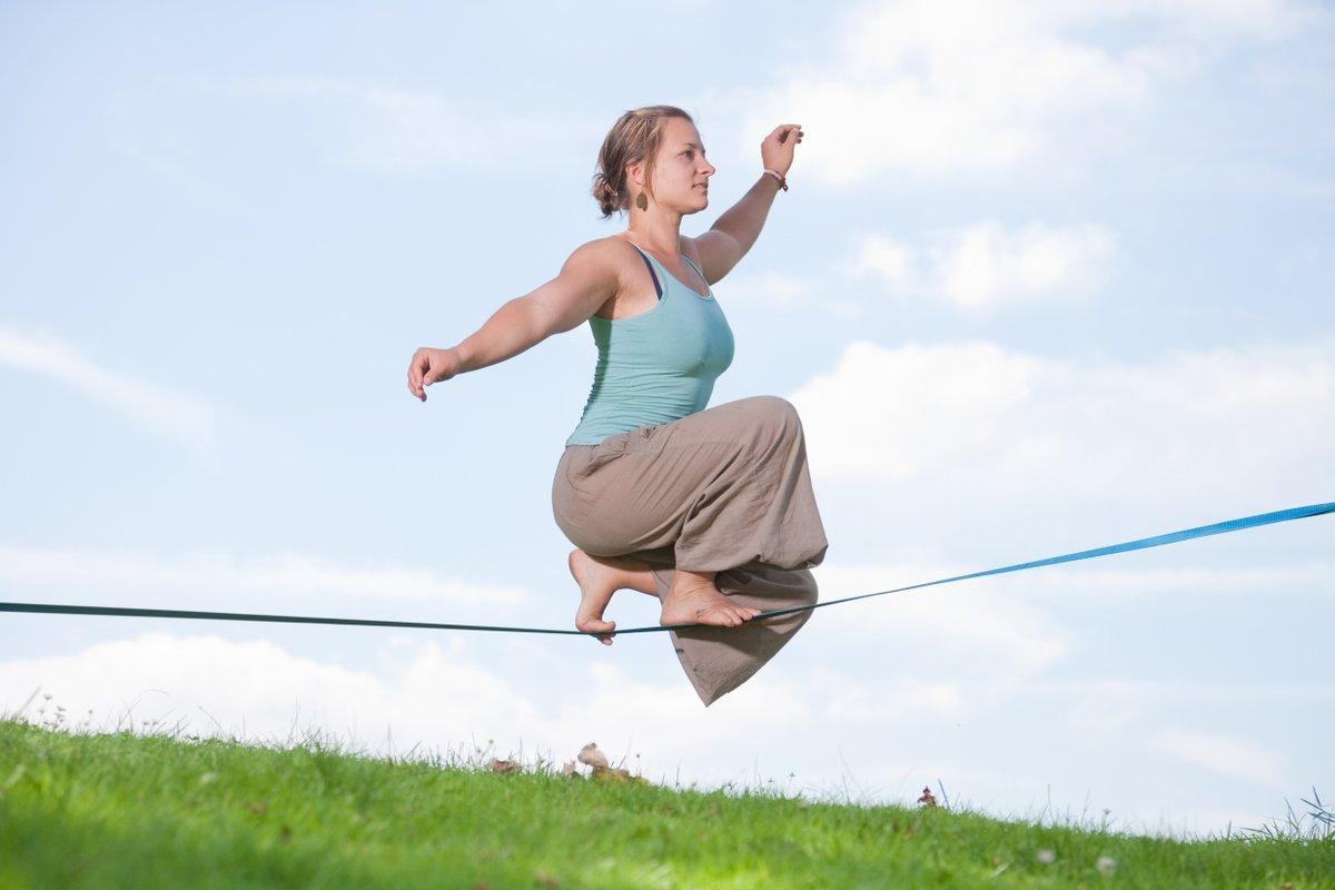 Tu veux développer ton équilibre et ta concentration 😇 #slackline #jeudiphoto https://t.co/69bq9HRdz8