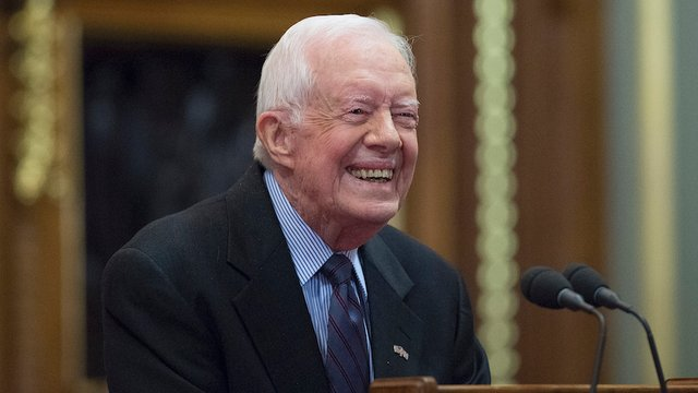 Jimmy Carter becomes oldest living president in history https://t.co/NfQ6DTG6uQ https://t.co/9ELQ21p7mb