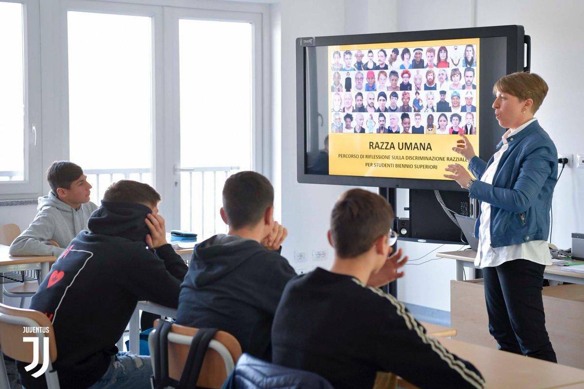 """""""Razza Umana"""": i ragazzi dello #JuventusCollege contro la discriminazione ➡️ Gallery 📷 http://juve.it/IDzz30o8tO3"""