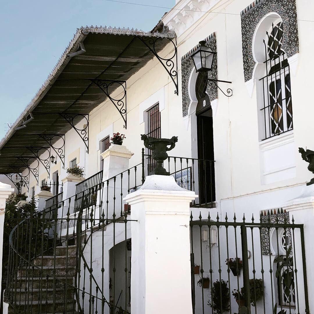 Casa de Lola la de Lucena o Casa de las Flores.  Caça de Lola la de Lucena o Caça' lax Flore. https://t.co/Zg3dOoTEAv