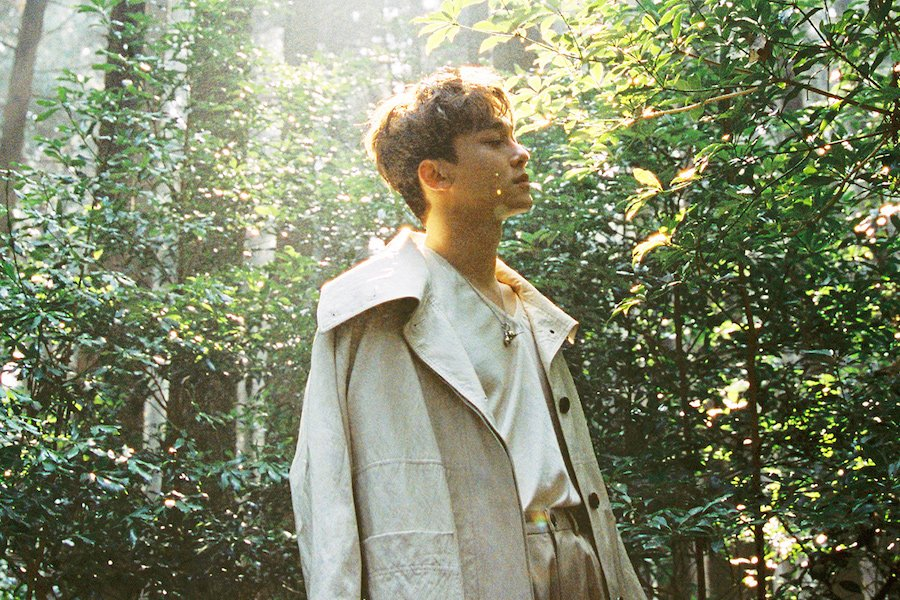 """RT @soompi: #EXO's Chen Unveils Track List For Solo Debut Mini Album """"April, And A Flower"""" https://t.co/kIJqn4XoTK https://t.co/BHEc2hnChD"""
