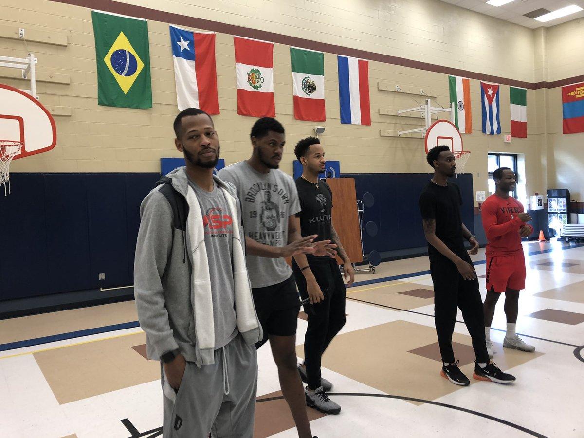 Como parte de la #NBAFITWEEK los @RGVVipers visitaron una escuela elementaria de #McAllen para promover la actividad física. Los detalles en @Telemundo40 🏀🏃🏻♂️🏃🏻♀️