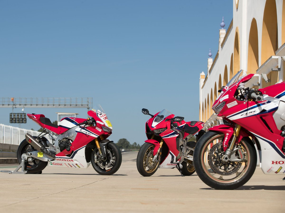 Time for tea? Join @Neevesy33 as he takes to the track in a trio of feisty  @HondaUKBikes Fireblades, from road bike to full-fat 2019 BSB monster.   Link this way:  http:// qoo.ly/w7ysm  &nbsp;  <br>http://pic.twitter.com/feibmskcfj