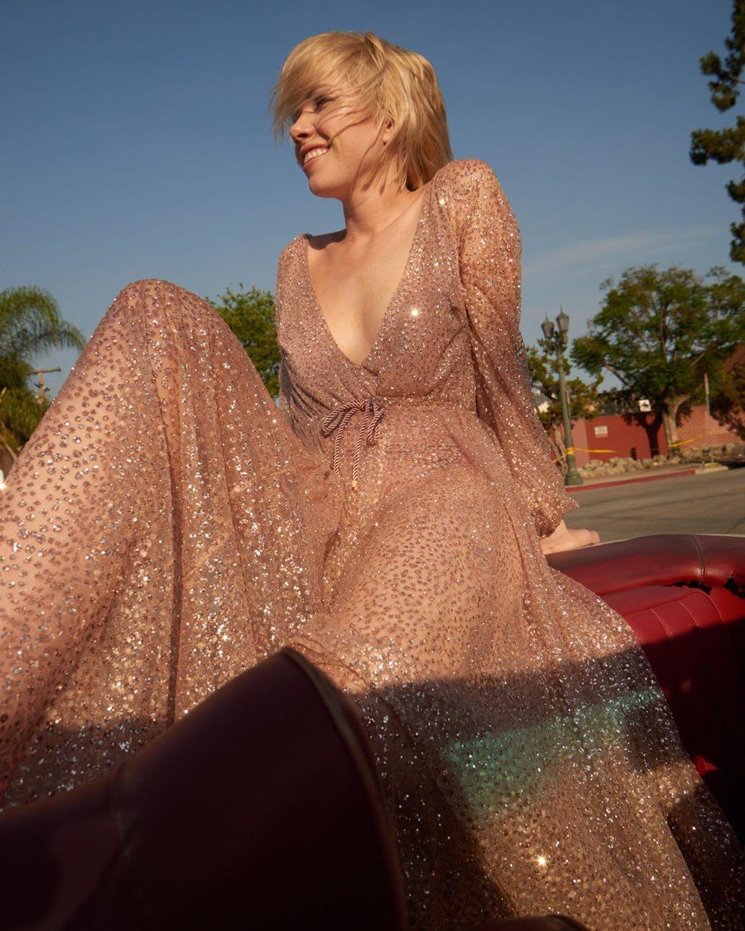 ✨✨✨✨sparkle dress https://t.co/gRovW32oAK