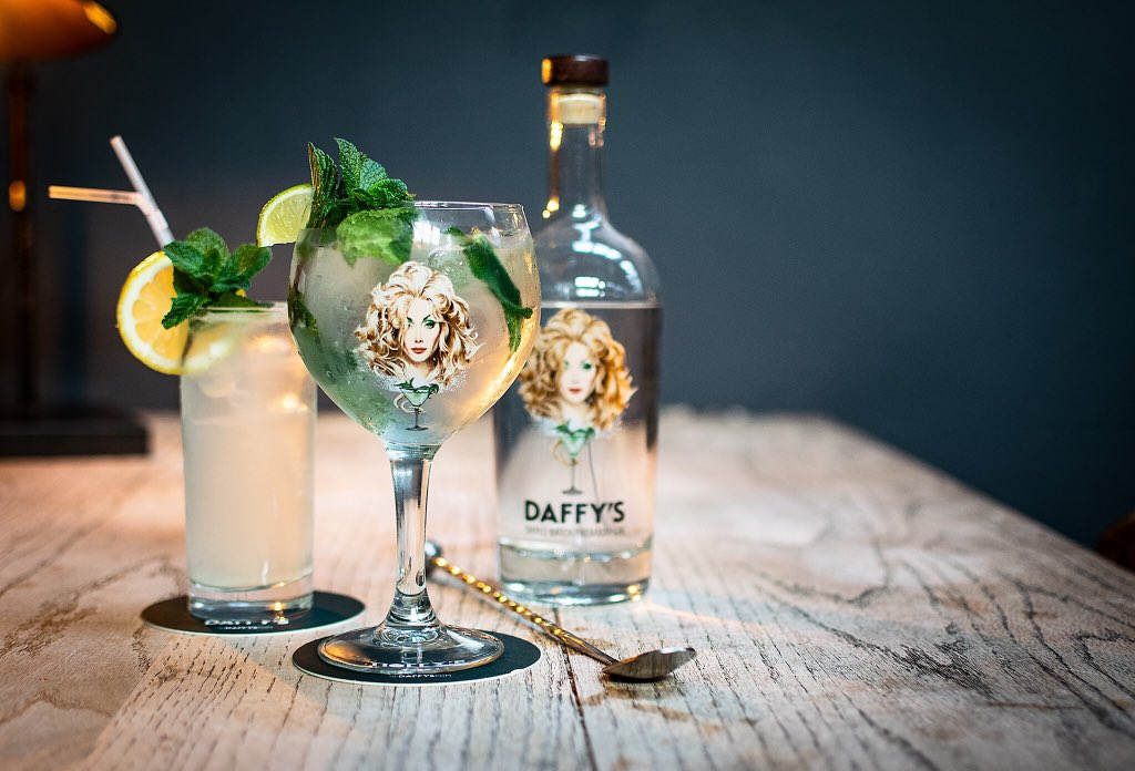 The West End Gin Festival kicks off tomorrow! @Le_Di_Vin have partnered with @DaffysGin to serve a special festival cocktail and perfect serve 🍋 @westendginfest  . . . #edinburghswestend #WestGinFest2019 #edinburghwows #thisisedinburgh #takeacloserlook #hiddengems