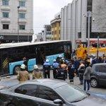 Image for the Tweet beginning: Beyazıt'ta gerçekleşen kazada, İstanbul Üniversitesi