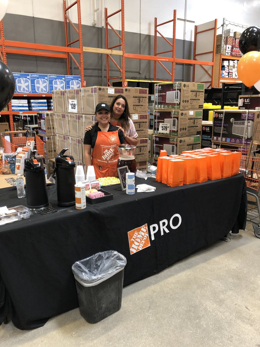 Pro Appreciation Event at #581doesitbest  phase 2 sandwiches and tea.  Hungry? @Marcos_THD @MattLeslie11 @bsb823