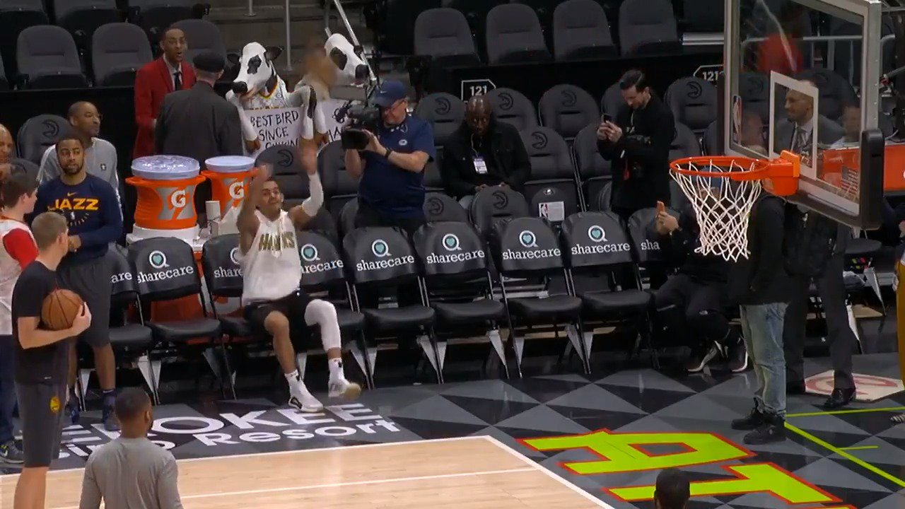 Trae Young from the bench!  #TrueToAtlanta x #TeamIsEverything - 7:30pm/et on NBALP   ����: https://t.co/ZL39Al5xnc https://t.co/8qjgVGzdr6