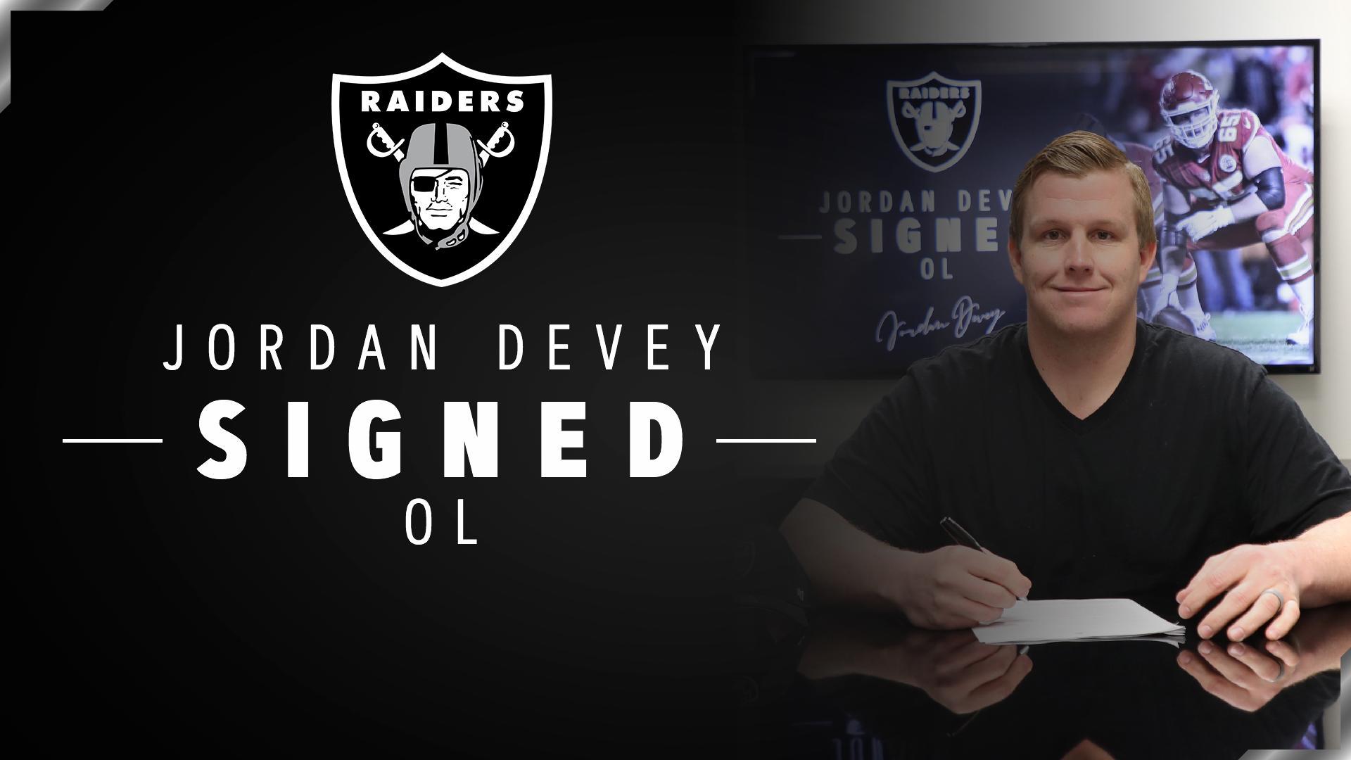 We have signed OL Jordan Devey: https://t.co/5u4vnE5OgN #RaiderNation https://t.co/zEdKAJtIiL