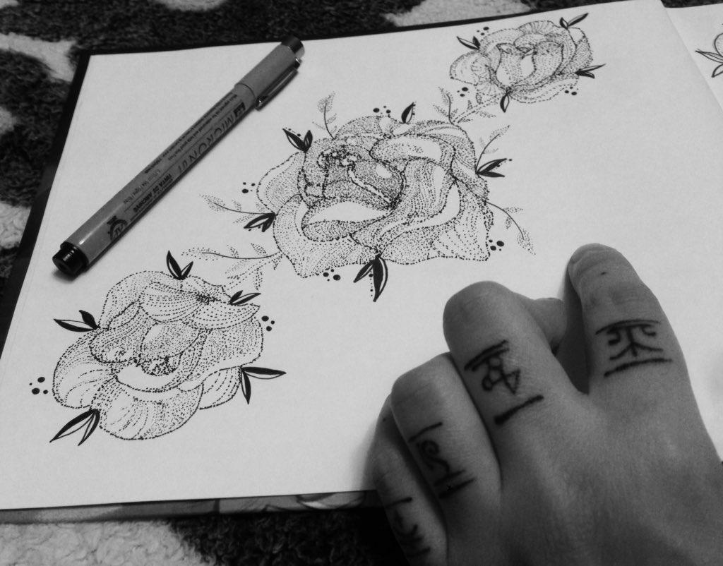 Каждый мастер своего дела, в первую очередь - творец, создатель чего-то необычного, идеи которому приходят спонтанно.  • • • #tattoo#art#tattooartist#tattooer#sketch#blackbrutal#dotwork#blackwork#brutaltattoo#brutal#tattooinmoscow#tattooinhome#hometattoo pic.twitter.com/xmTFUIQgJz