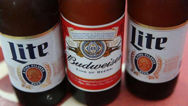 JUST IN: MillerCoors files lawsuit against Anheuser-Busch over Super Bowl ads https://t.co/lBLcN0GMSL https://t.co/KUKoOwgMoJ