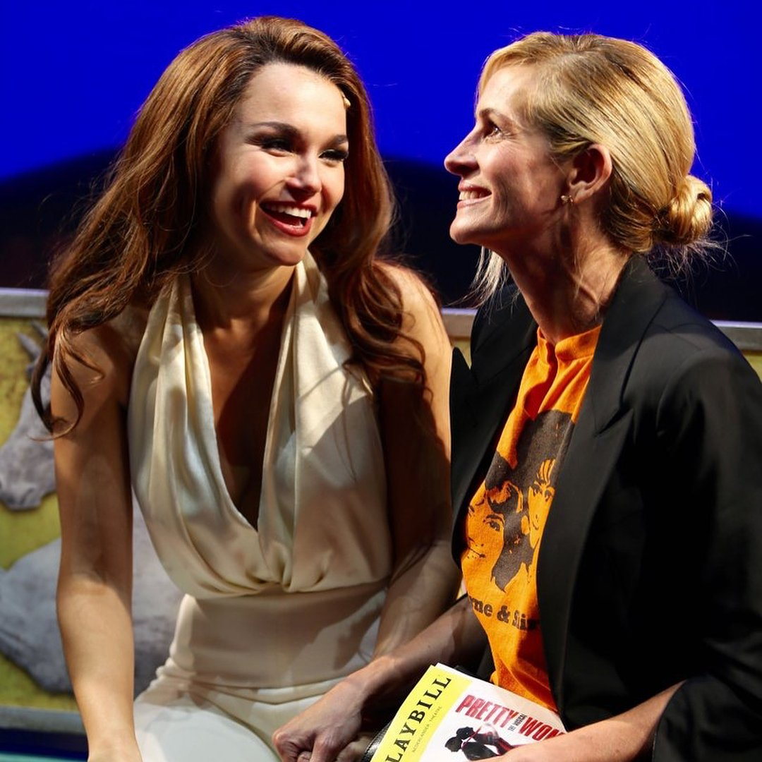 We're celebrating 29 years of Pretty Woman this week! #TBT to when #JuliaRoberts visited #PrettyWomanTheMusical. How fabulous to unite our two Vivians! @samanthabarks<br>http://pic.twitter.com/r6Jnm2DLNq