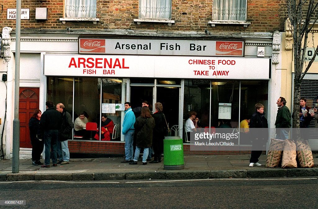 Curry sauce and chips  #Arsenal #AFC #COYG <br>http://pic.twitter.com/N1ackxA4Ll