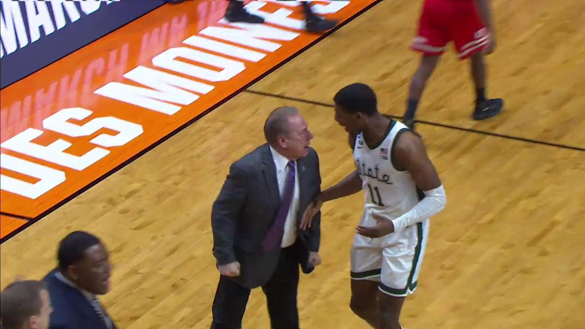 Michigan State players had to get between Tom Izzo and Aaron Henry during angry timeout
