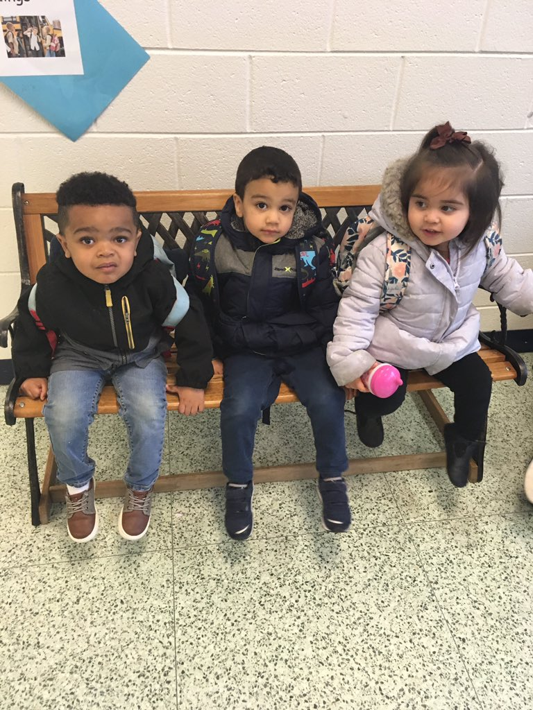 RT <a target='_blank' href='http://twitter.com/toddler2s'>@toddler2s</a>: Waiting patiently for the bus. <a target='_blank' href='http://search.twitter.com/search?q=HFBTweets'><a target='_blank' href='https://twitter.com/hashtag/HFBTweets?src=hash'>#HFBTweets</a></a> <a target='_blank' href='http://search.twitter.com/search?q=APSisAWESOME'><a target='_blank' href='https://twitter.com/hashtag/APSisAWESOME?src=hash'>#APSisAWESOME</a></a> <a target='_blank' href='https://t.co/Fm7BYD6iG0'>https://t.co/Fm7BYD6iG0</a>