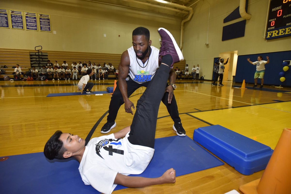 All smiles for staying healthy and active! We encourage you to engage in physical and mental wellness activities during #NBAFit week and year round! #MagicFit #MagicCommunity #PureMagic #NBACares @nbacares