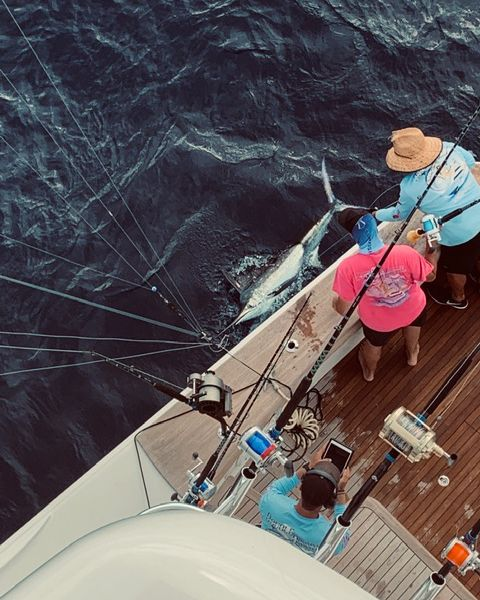 Chub Cay, Bahamas - Double Barrel went 1-1 on Blue Marlin.