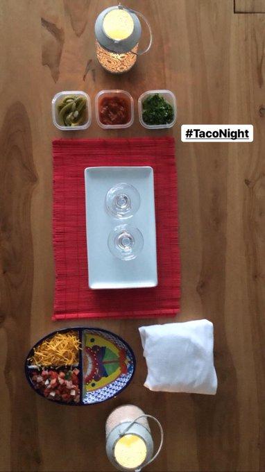 #TacoNight #GirlsNight https://t.co/BIkbQAhOlk