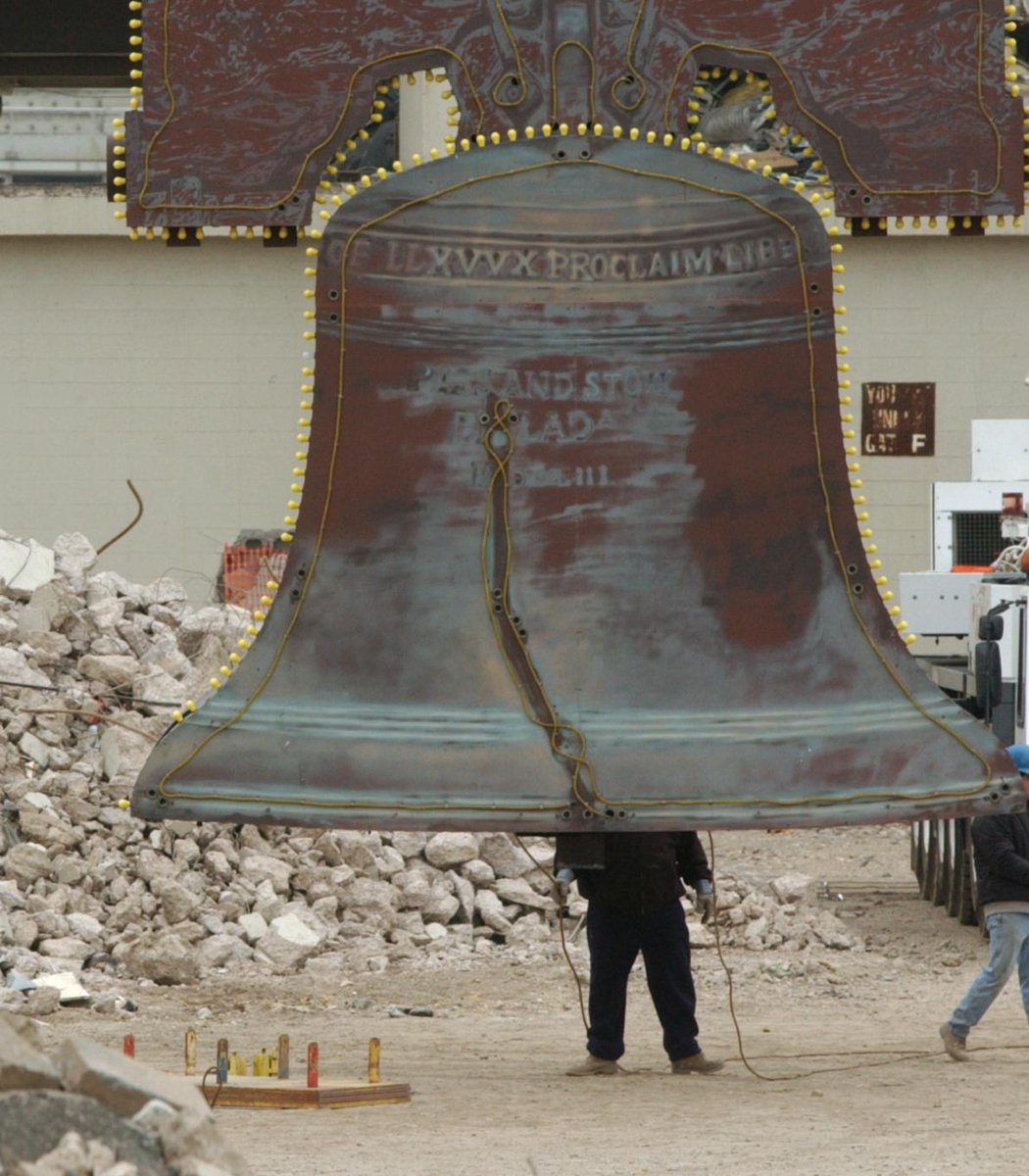 On this date 15 years ago, Veterans Stadium was imploded. #TBT  Fittingly, the same bell from The Vet was installed at Citizens Bank Park earlier today. #RingTheBell <br>http://pic.twitter.com/N60BNOc64w