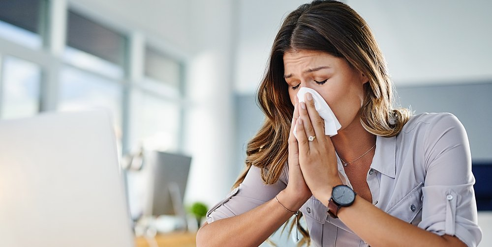 Sniffling. Sneezing. Headache. A scratchy throat. Is it allergies or a cold? Joseph Dizon, MD, shares with @PreventionMag how to tell the difference between the two. https://k-p.li/2YdfnZq