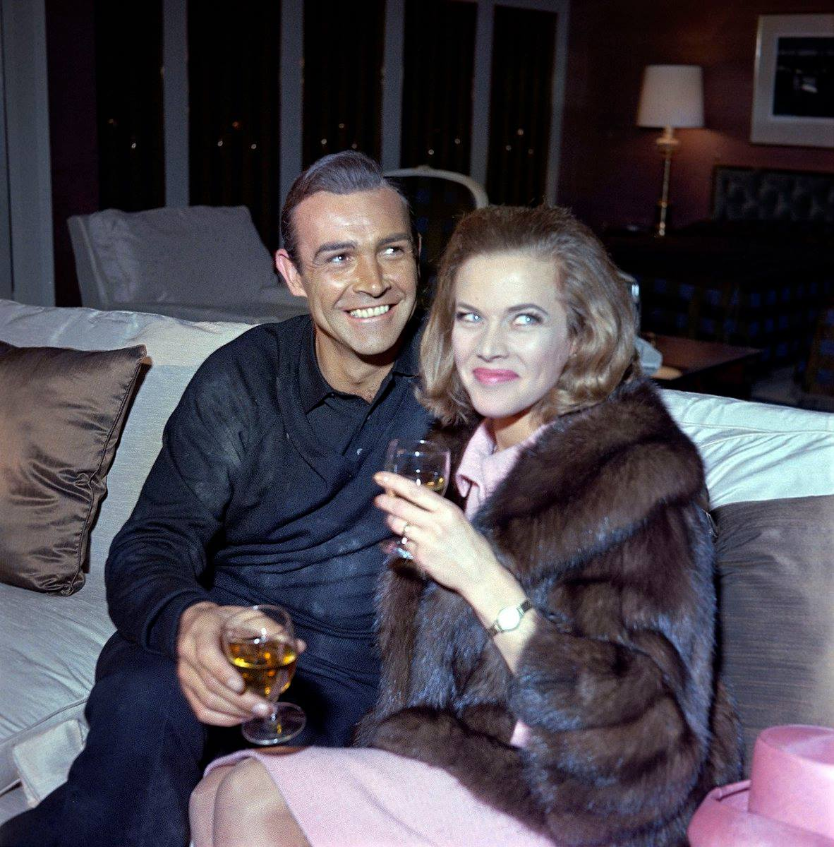A moment with Sean Connery and Honor Blackman -- aka James Bond and Pussy Galore in Goldfinger, 1964. <br>http://pic.twitter.com/wLtAyOFeho